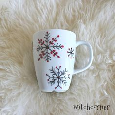 Hand Painted Snowflake Mug, Painted Porcelain Mug with Snowflakes, Christmas Gift Mug, Xmas Gift, Winter Coffee Mug, Snowflake Tea Cup #tazasceramica