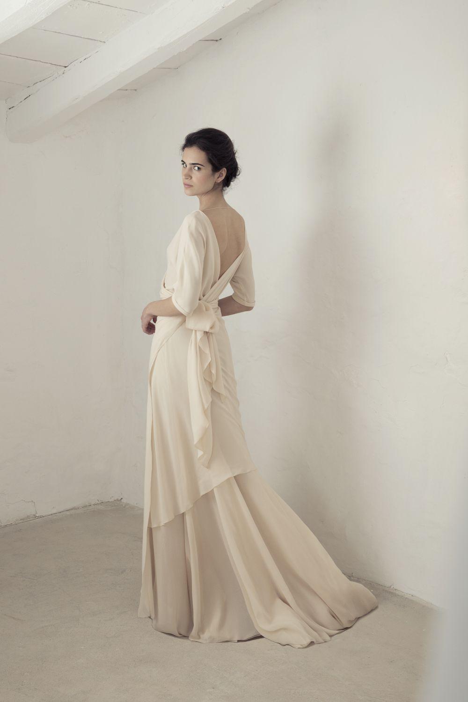 Yu wedding dress with three quarter length sleeves wedding dress