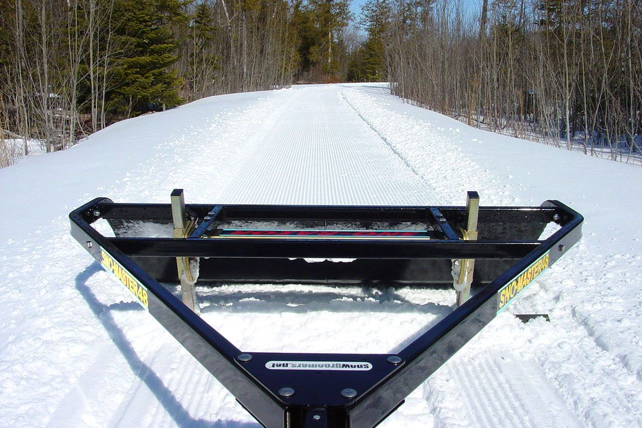 Cross Country Groomers Freestyle Skate Skiing Classic Tracks Skiing Freestyle Groomer