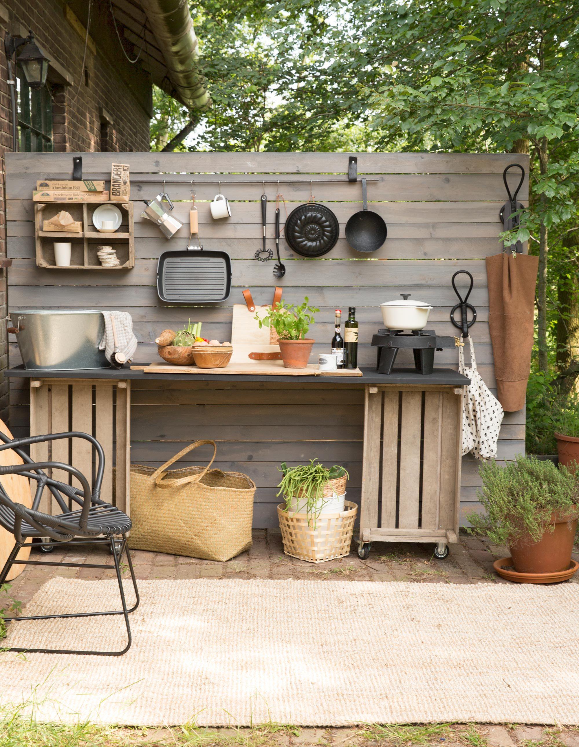 diy low budget buitenkeuken bungalow pinterest balkon outdoor k che und terrasse. Black Bedroom Furniture Sets. Home Design Ideas