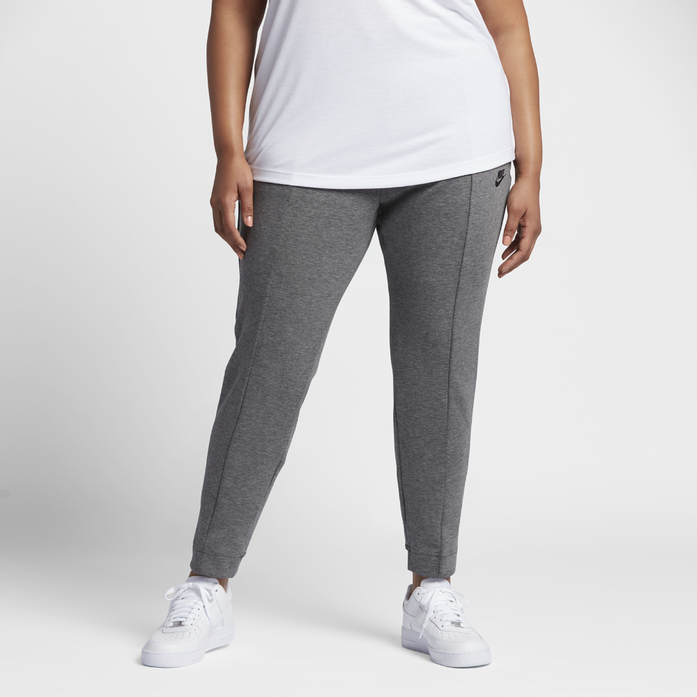 Nike Sportswear Tech Fleece (Plus Size) Women's Pants Size