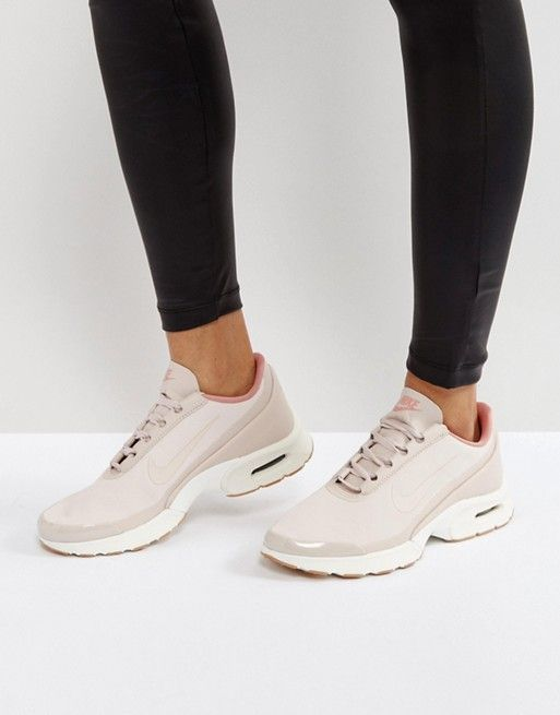 Discover Fashion Online | Chaussures de course nike, Air max