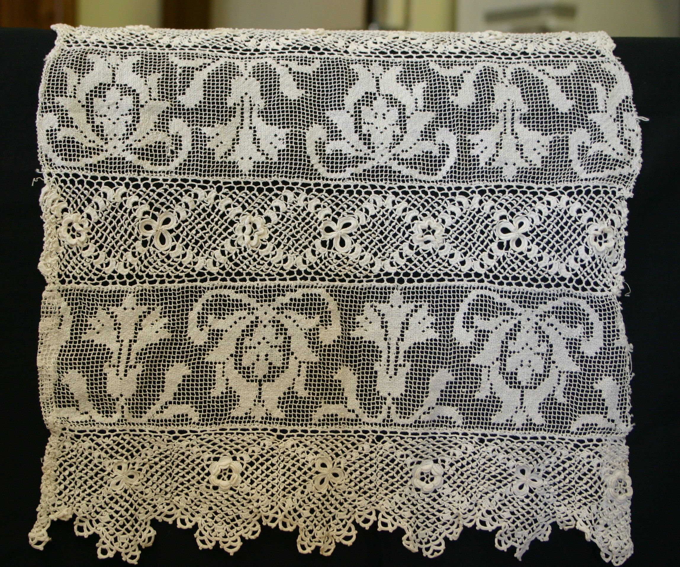 This piece is over 100 years old and made up of panels of irish this piece is over 100 years old and made up of panels of irish crochet and lace crochet patternscrochet pattern freecrochet bankloansurffo Gallery