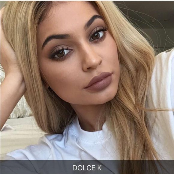Free Dolce K Lipkit With 200 Purchase In My Closet Kylie Jenner Lips Kylie Jenner Lip Kit Kylie Jenner Hair