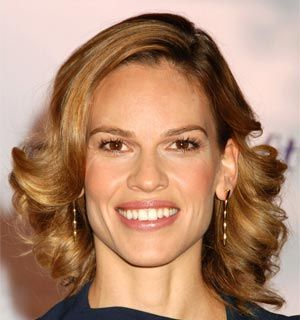 visage rectangulaire hilary swank acteurs pinterest coupe de cheveux magazine elle et les. Black Bedroom Furniture Sets. Home Design Ideas