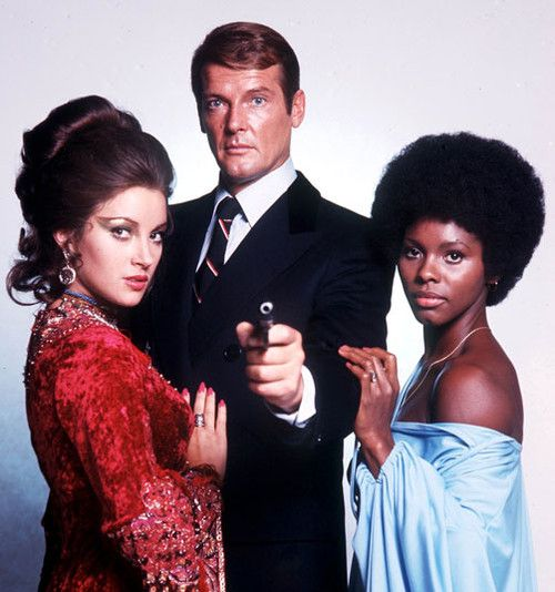 Roger Moore With Jane Seymour And Gloria Hendry