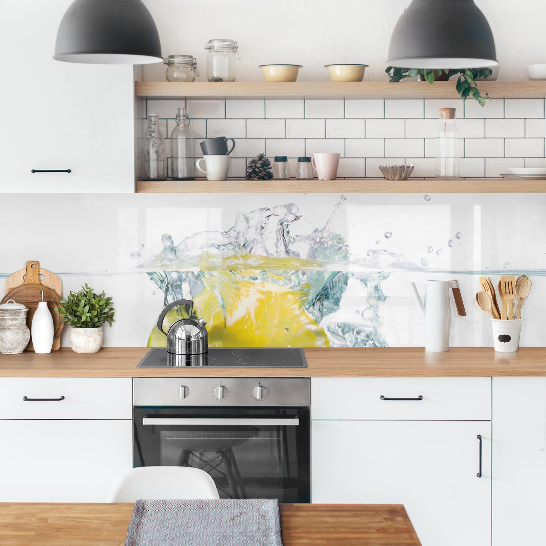 Kuchenruckwand Zitrone Und Limette Im Wasser Kuchenprodukte Kuchenruckwand Kuchen Ruckwand