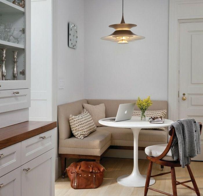Eine kleine Sitzecke gestalten mit gepolsterter Sitzbank | Home ...