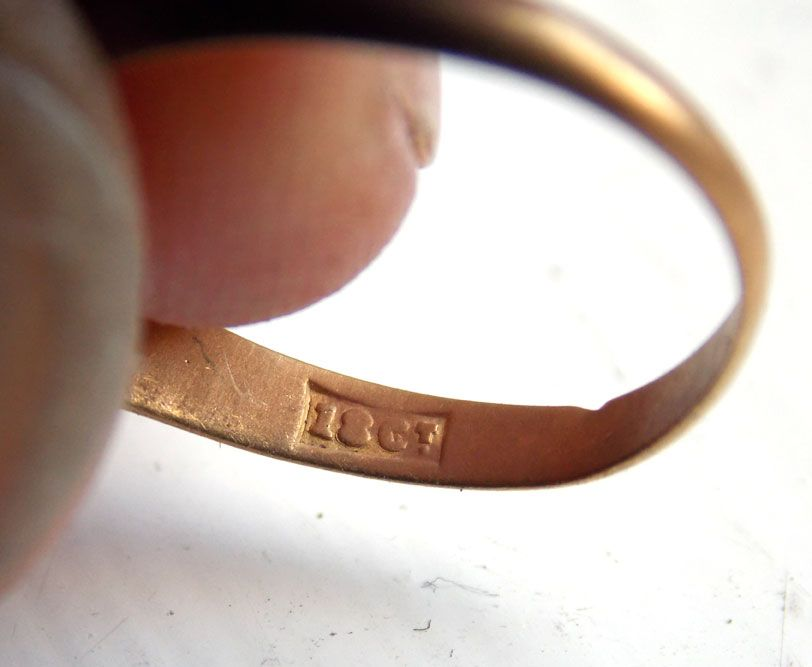 Beach metal detecting find, Victorian Gold