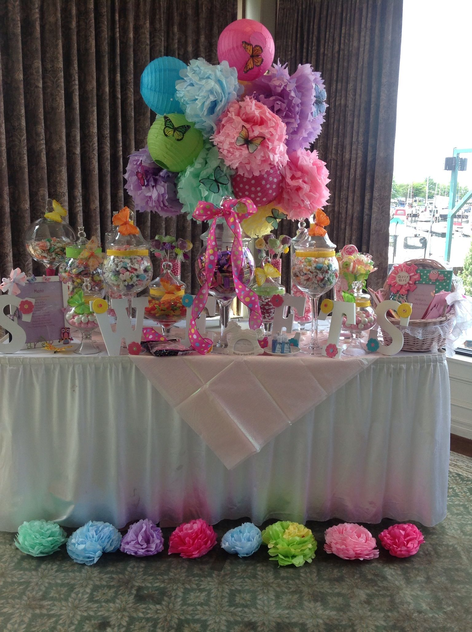Diy table decorations for baby shower - Whimsical Owl Themed Baby Shower Candy Station Highlighted With Paper Lanterns And Diy Tissue Paper