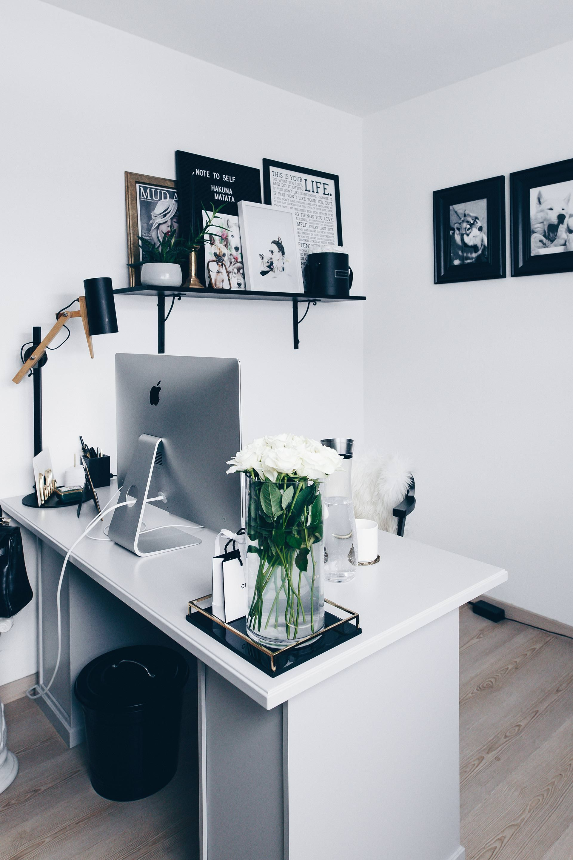 arbeitsplatz zuhause einrichten 5 ideen f r mehr stil im blogger home office home office. Black Bedroom Furniture Sets. Home Design Ideas