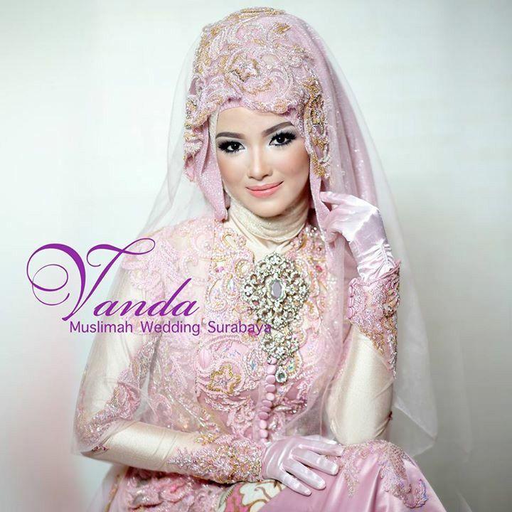 Vanda Muslimah Wedding Sby Indonesia Hijab Bride Muslim Wedding Dress Pinterest Hijab