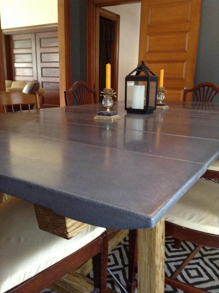 Fan Made This Concrete Dining Room Table Was Produced Using Quikrete 5000 Concrete Mix And A Charcoal Color Concrete Decor Concrete Table Dining Room Table