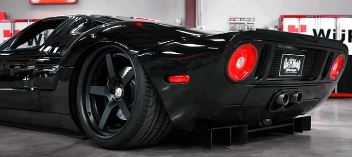 Striking Ford Gt Custom By Gas Monkey Garage Coches Y Motocicletas Autos Carros Y Motos