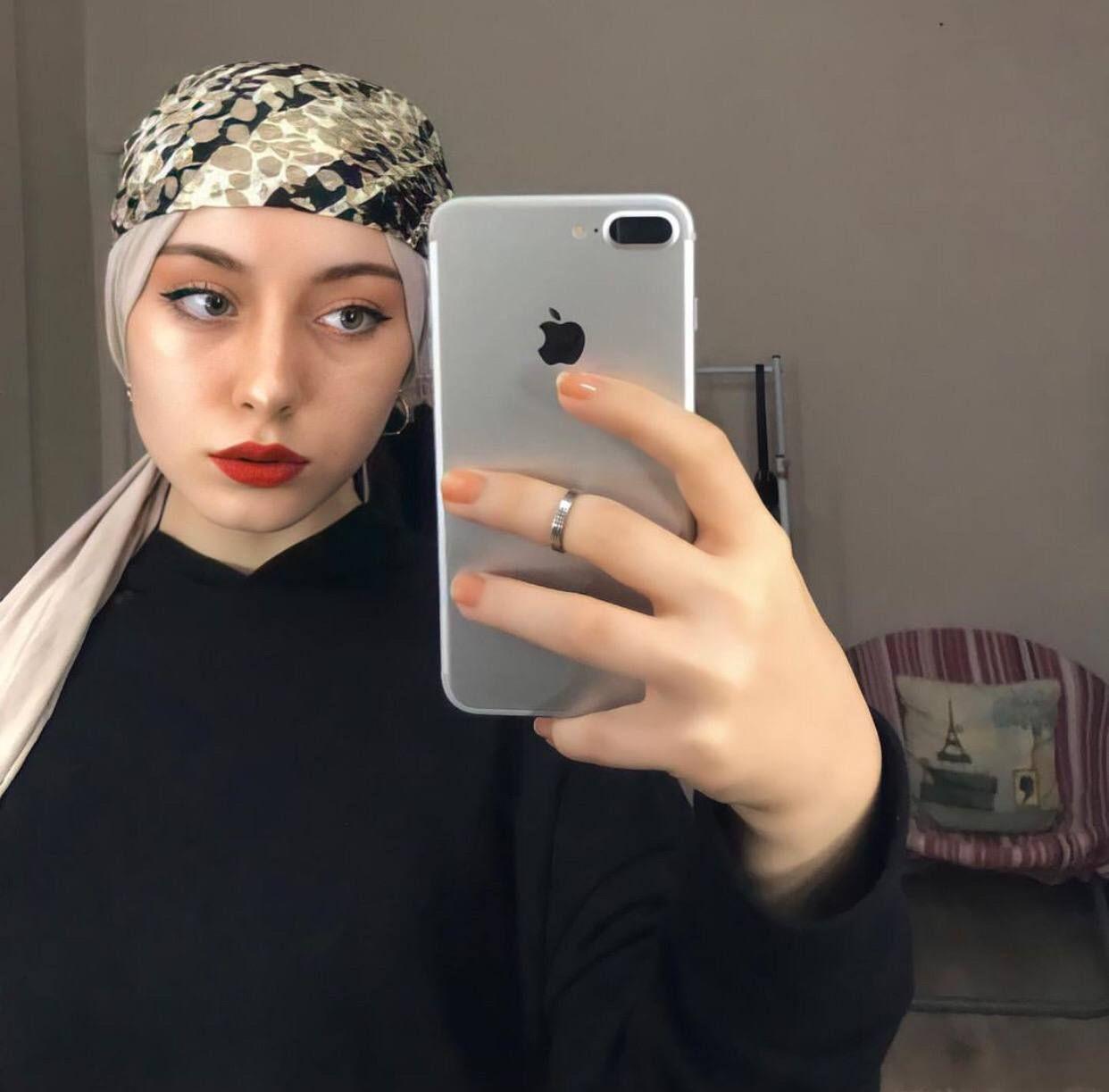 Pin By علي سعد On رمزيات بنات محجبات In 2021 Popsockets Phone Cases Phone