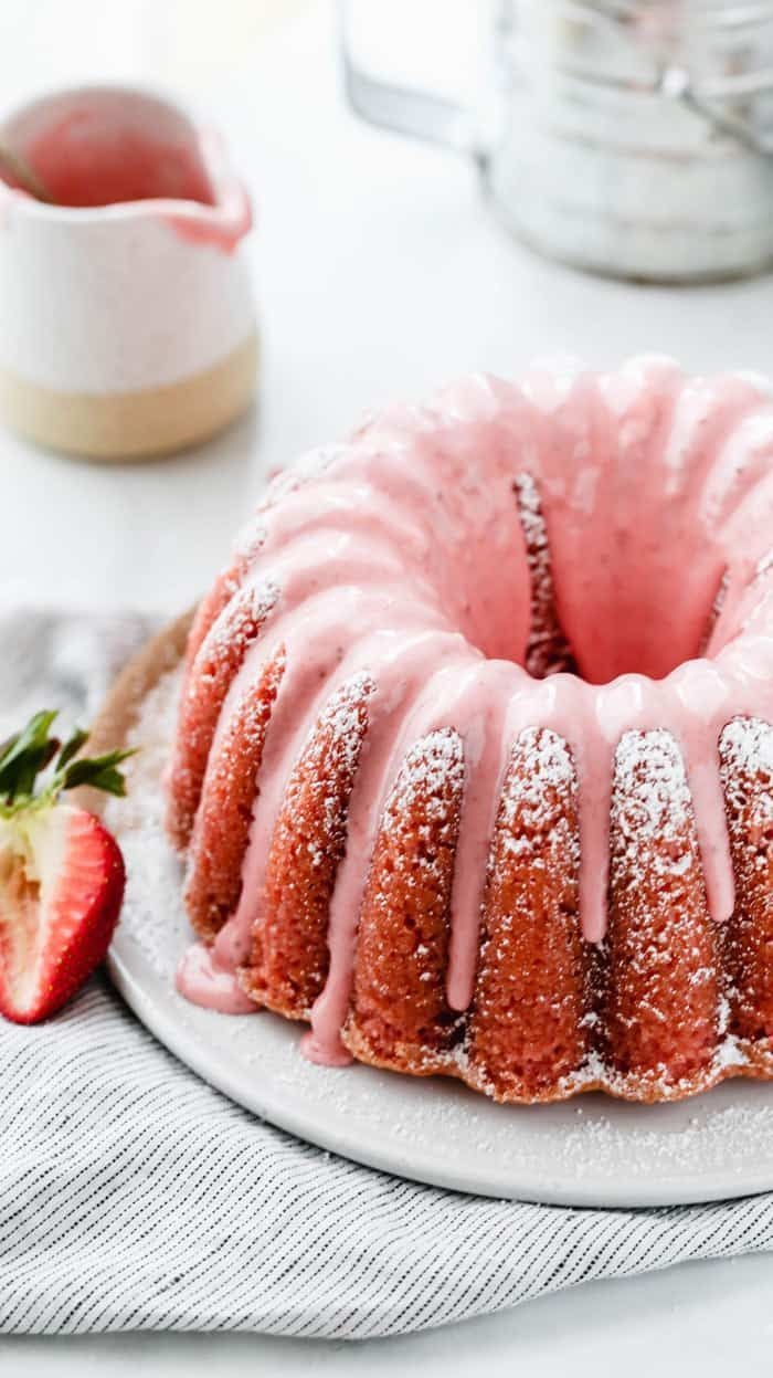 Fresh Strawberry Pound Cake Recipe