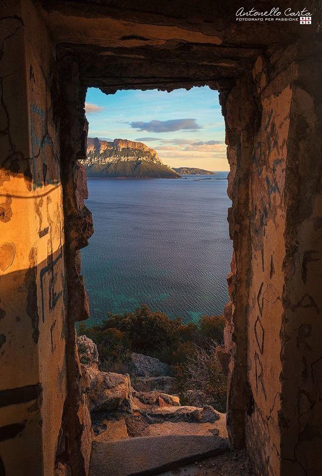 Sardegna-Uno sguardo su Tavolara