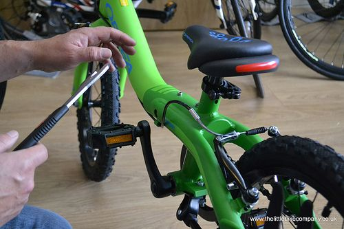 The Easy Way To Teach A Child To Ride A Bike Bike Bike Pedals