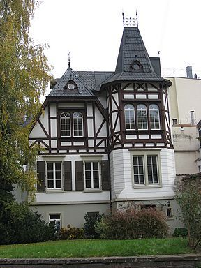 German Colonial House : german, colonial, house, German, Architecture, Styles, Mansion, Style, Different, Shapes, Houses,, Architecture,, House