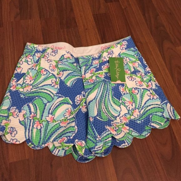Lilly Pulitzer buttercup shorts Brand new with tags Lilly Pulitzer butter cup shorts!! Size 00!! Bay Blue Coasting print!! Will trade for Callahan shorts in size 00!!!  Lilly Pulitzer Shorts