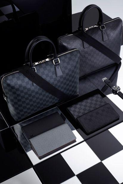 444daa1e4000b Image of Louis Vuitton 2013 Spring Damier Signature Collection Accessoires  für Männer – Gentlemanstore.de
