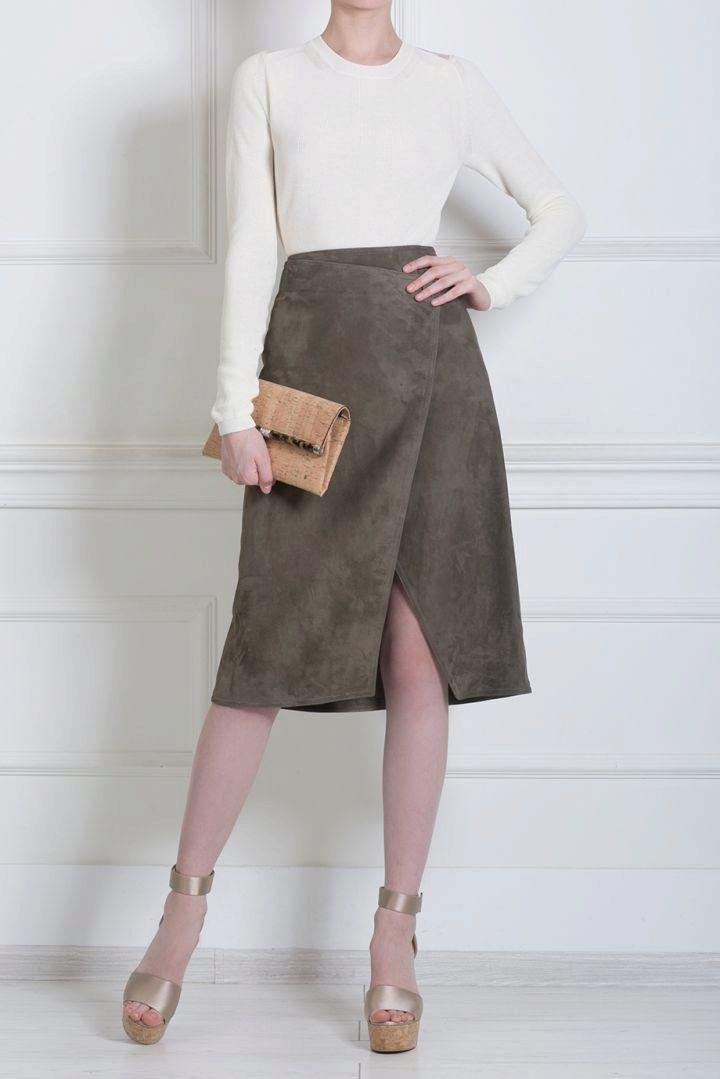 c738845e753 Замшевые юбки (83 фото)  с чем носить юбки из замши