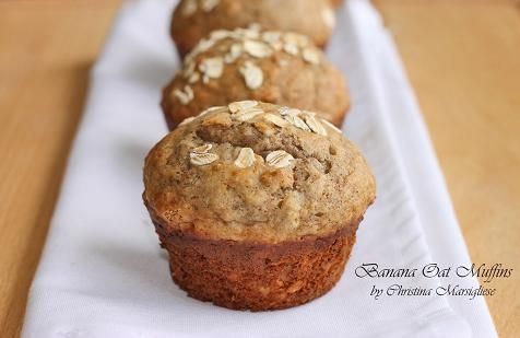 banana oat muffins. so good and easy!