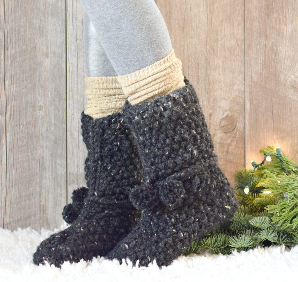 Mountain Chalet Boot Slipper Knitting Pattern (Knit Flat) | Knit ...