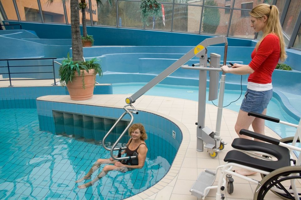 Handi-Move Pool Lift with Body Support System in swimming ...