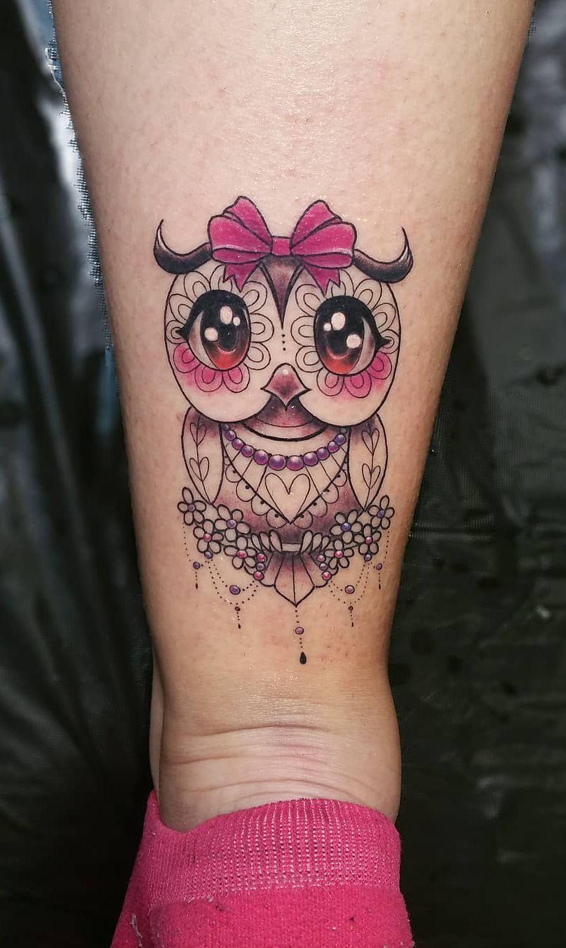 cute lace owl tattoo © tattoo artist Valeria Foddanu