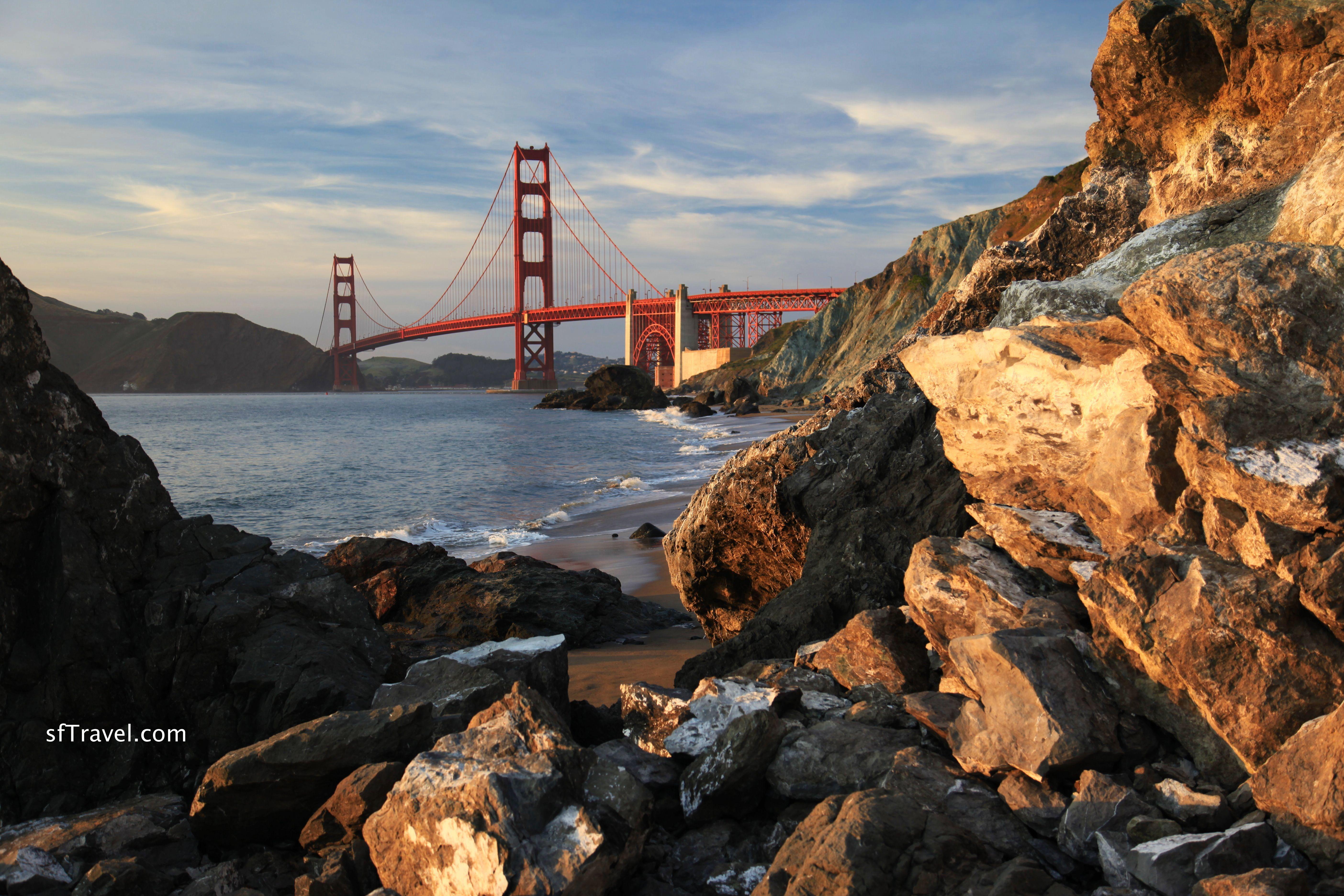 Golden Gate Bridge   Golden Gate Bridge: Parking Vista Point Near San Francisco