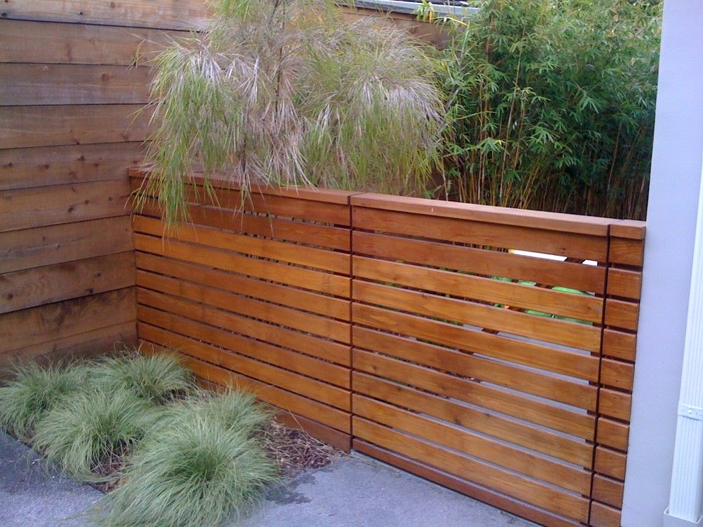 Horizontal Privacy Fence Deck Modern With Beige Umbrella Blue
