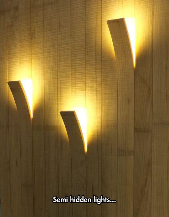 Auch das Innere Ihres Gartenhauses können Sie durch indirekte Beleuchtung an der Wand verschönern.