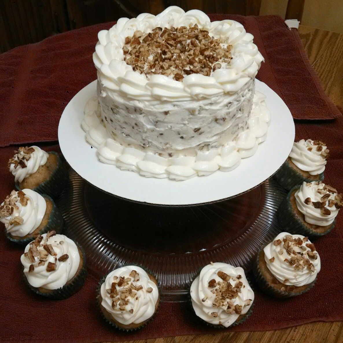 My first Hummingbird cake and WOW! It's Yummy!! Cakes by ...