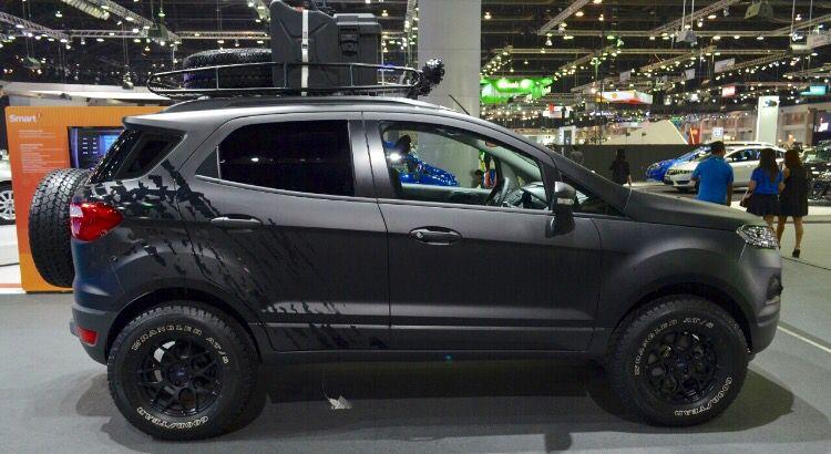 Ford Ecosport. Black