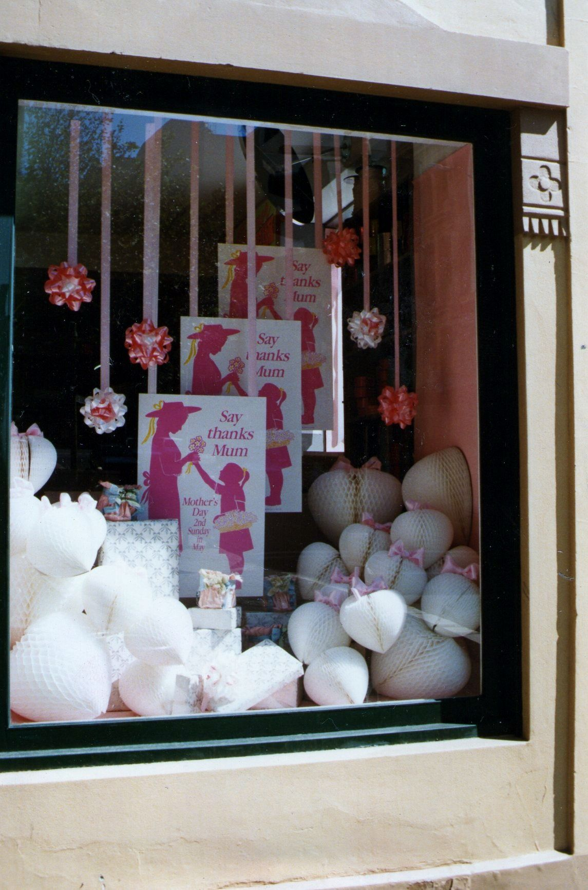 My Own Display Work Mother S Day Window Vitrines Dia Das Maes