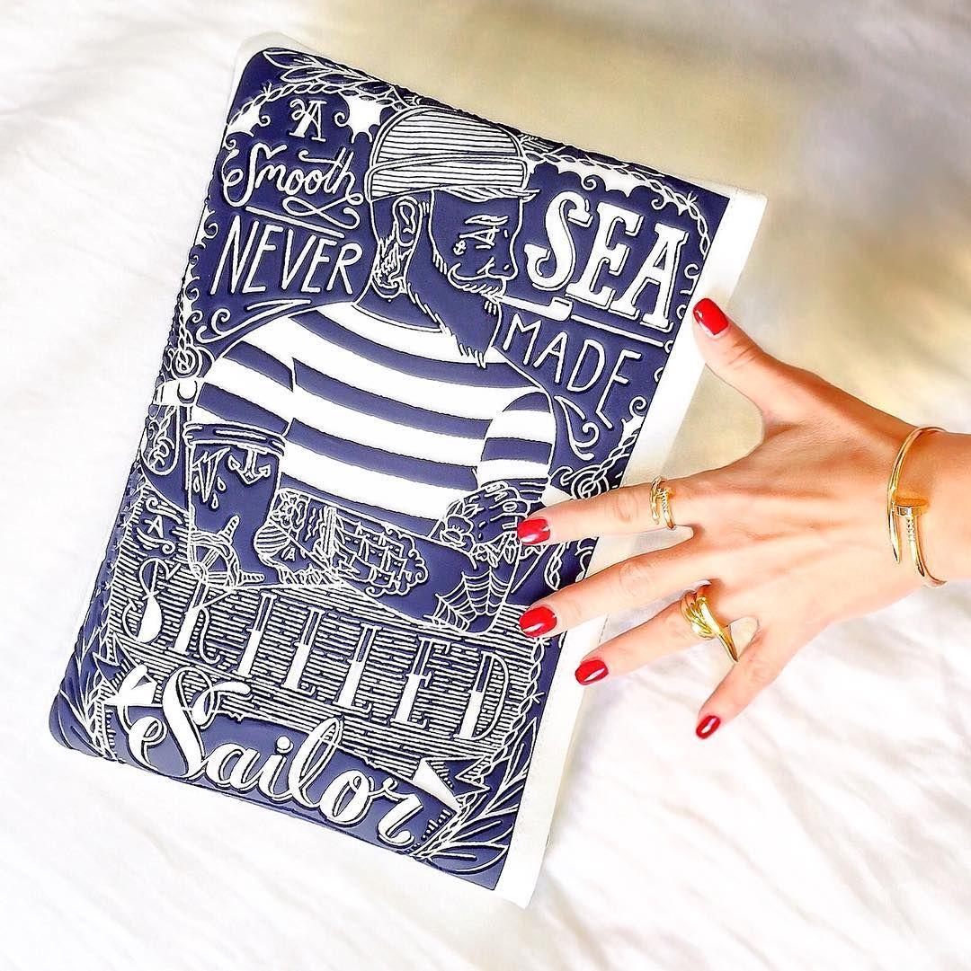 Veryverve. Cartier nail bracelet Juste Un Clou and ring, trinity ring. Chanel nail polish Pirate. Clutch 3dprinting bag Leplàs.
