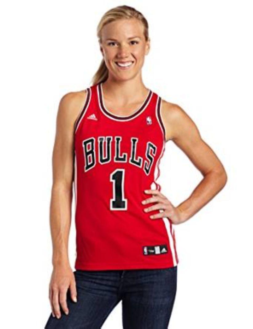a6a988e415ba Breathtaking 30 Women Wear a Sports Jersey Look Stylish  https   101outfit.com