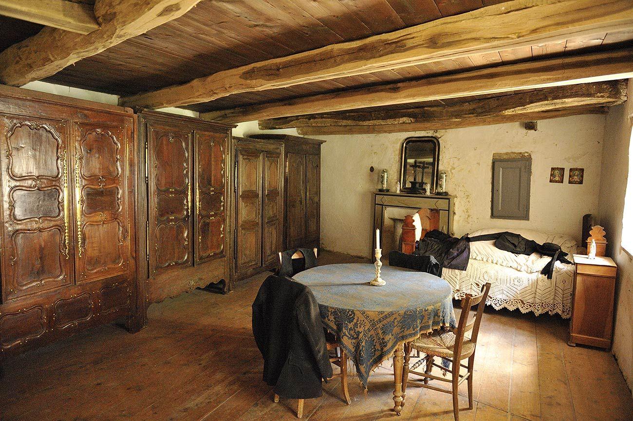 Armoire De Mariage Bretonne vielle armoire bretonne | mobilier de salon, bretagne, maison
