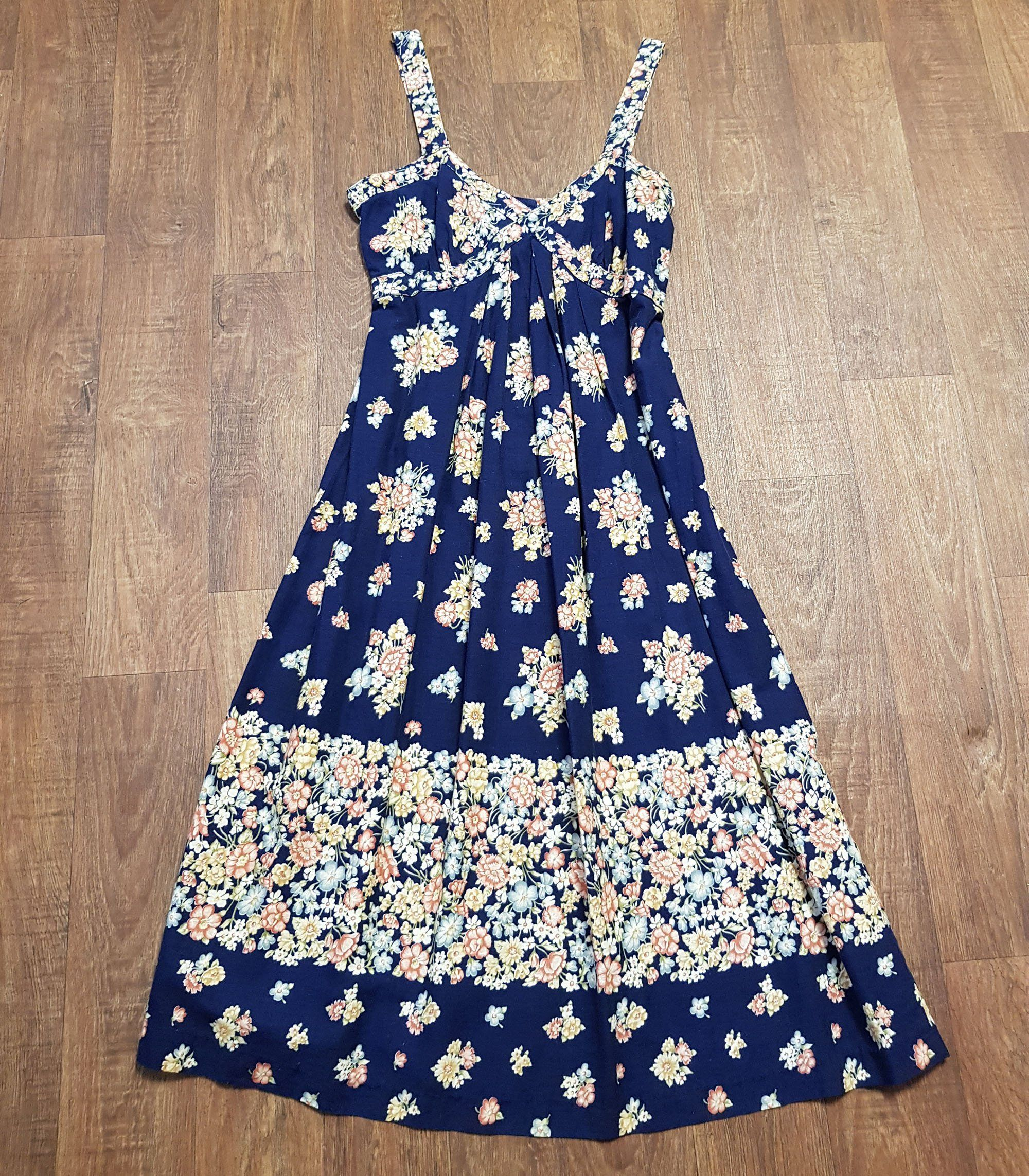 1980s Vintage Navy Rose Print Sun Dress Uk Size 10 12 Vintage Dresses In 2020 Vintage Sun Dress Sun Dresses Uk Vintage Dresses