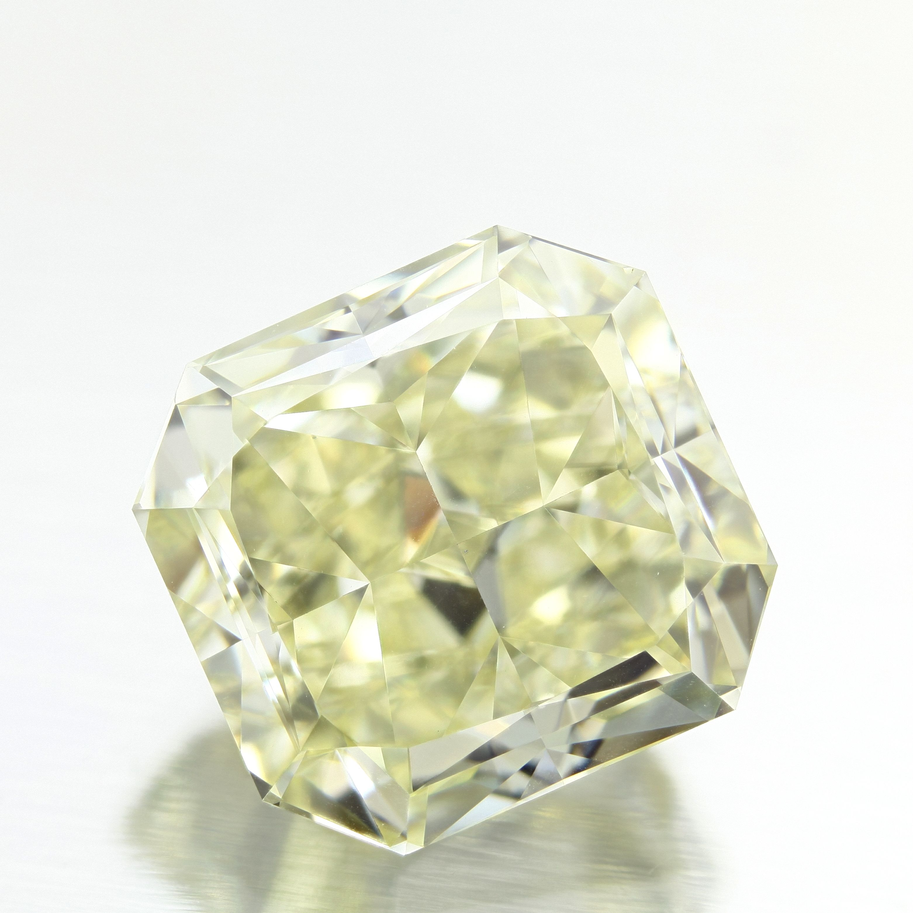 Shape: Radiant | Weight: 7.03ct | Color: Fancy Yellow | Clarity: VS1 | LAB: GIA | Cert Link: http://download.certimage.com/Certificates/PP3649.pdf  #fancycolordiamonds #middiamonds #fancy #diamonds #diamond #mid #radiant #GIA