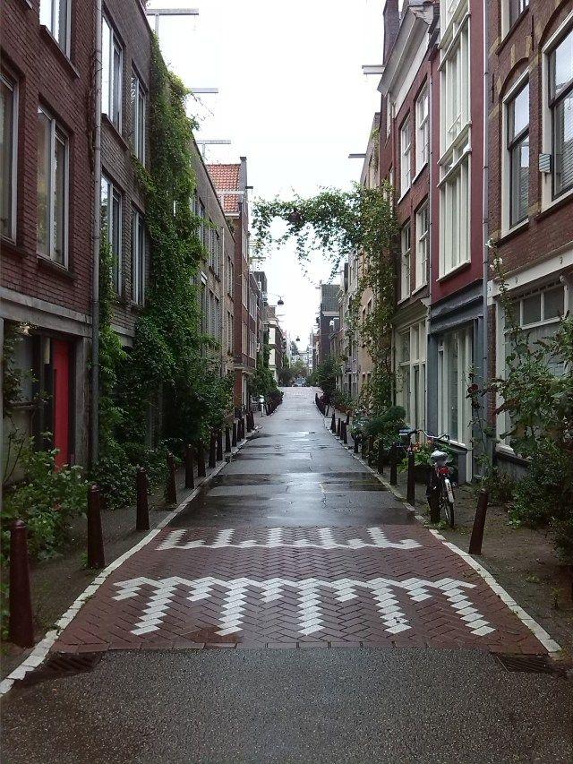 Jordaan Viertel - ob romantischer Spaziergang an den Grachten, bummeln in der Haarlemmerstraat oder was leckeres Schnabbulieren in den unzähligen Cafés und Restaurants. Diesesw Viertel ist immer einen Abstecher wert. 'amsterdam #jordaan #grachten #shoppen #cafés #iloveamsterdam