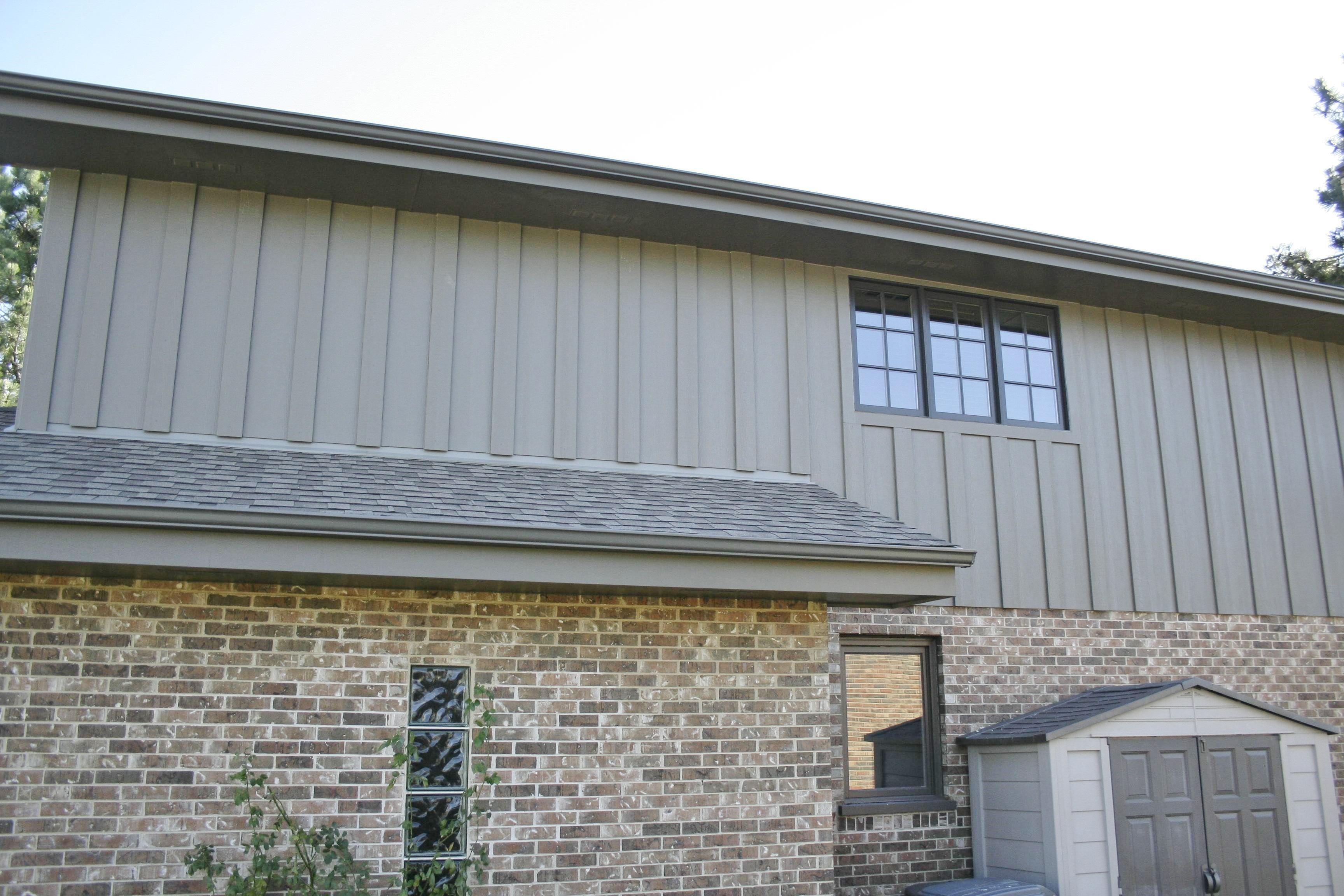James Hardie Hardiepanel Vertical Siding Timberbark 13722 Santa Fe Trail Orland Park Il 2 Jpg 3 456 2 304 Pixels Vertical Siding House Exterior Exterior Brick