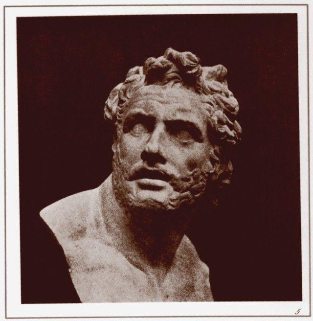 Grandes fotógrafos de la historia - The bust of Patroclus.
