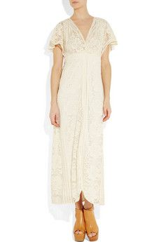 would b a really pretty dress for beach or casual garden wedding