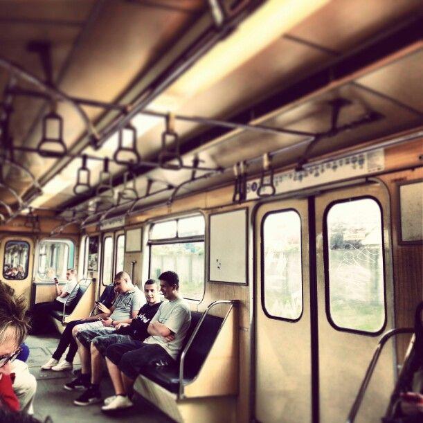 Lo sapevate che la metropolitana di #budapest è seconda linea più antica d'Europa? Confermo ☆ #ridieassapori #budapest #experienceblog #travel #instamood #train #ingiroperbudapest
