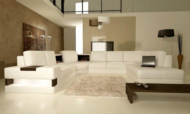 Modernes Wohnzimmer Weisse Mobel Aus Leder Braune Tapete Wandfarbe