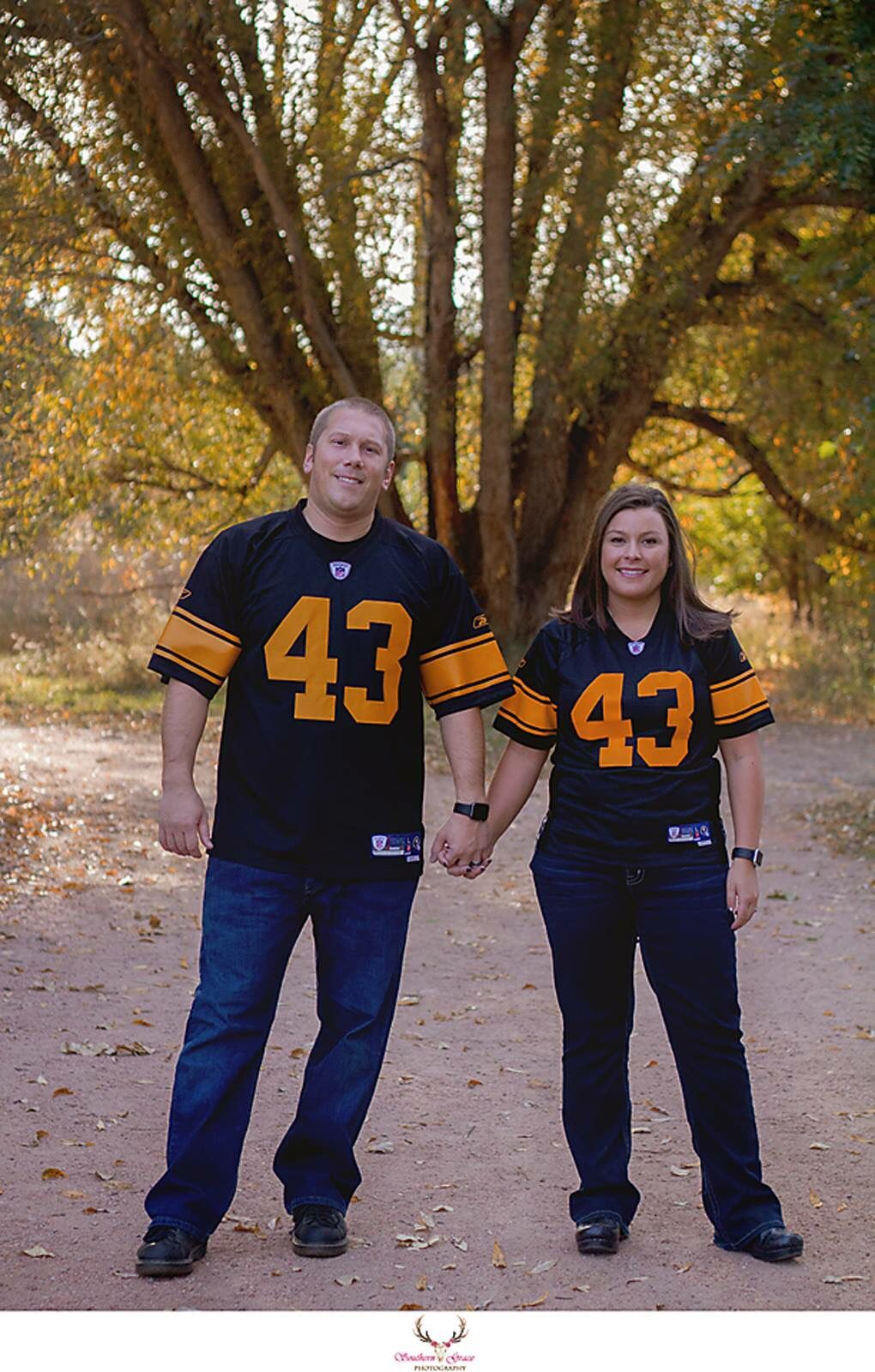 Fall Couples Fountain Creek Regional Park Colorado
