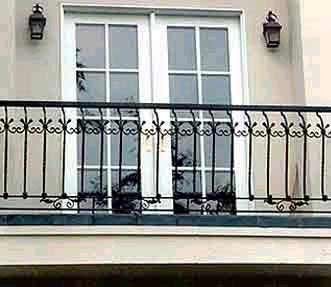 Spanish railings wrought iron balcony railings for Balcony in spanish