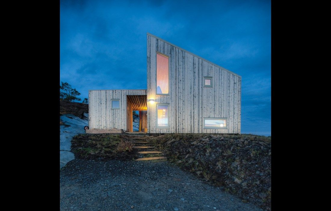 Terrasserad stuga i naturlig harmoni - Tidningen Trä